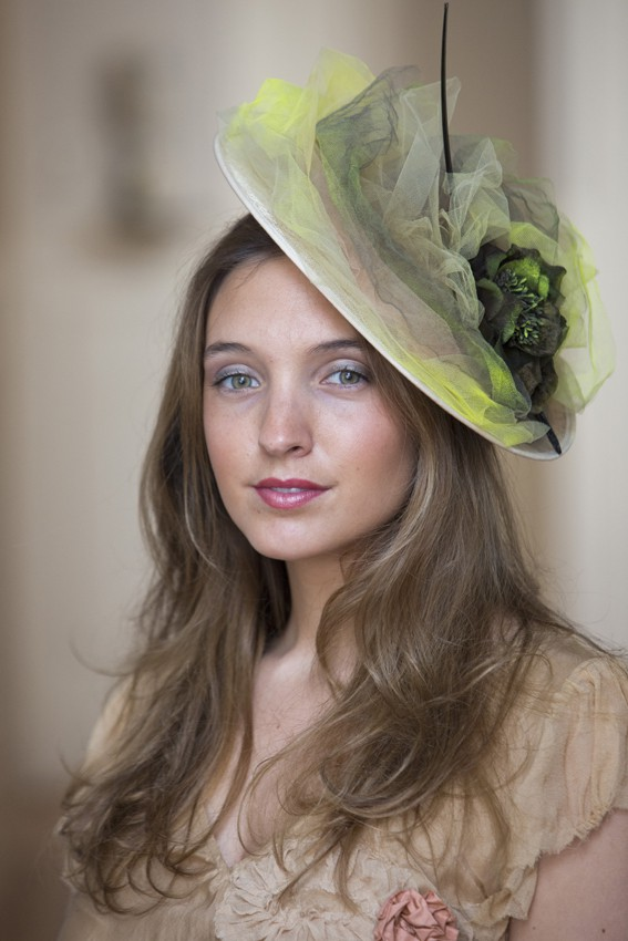 Sombrero tules invitadas