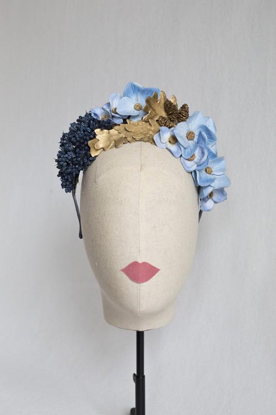 Corona flores y hojas