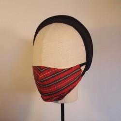 ESCOCIA Mascarilla  de seda salvaje en clasico escocés rojo, blanco y negro