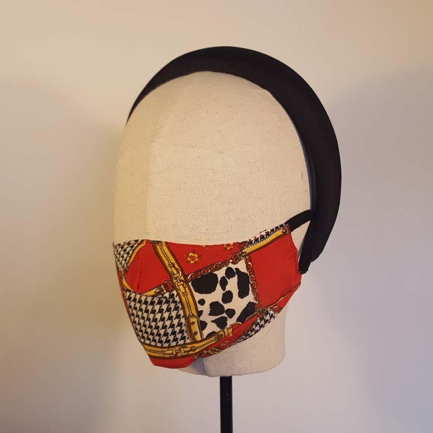 FUNKY Mascarilla estampada en tejido upcycling rojo, oro, blanco y negro